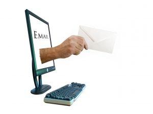 El email marketing debería ser considerado dentro de nuestra estrategia 2.0 Fuente; deviantart.com