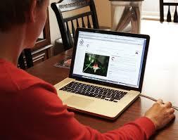 La lectura de nuestras publicaciones debe convertirse en un hábito de conducta del cliente potencial. FUENTE. Commons.wikimedia.org