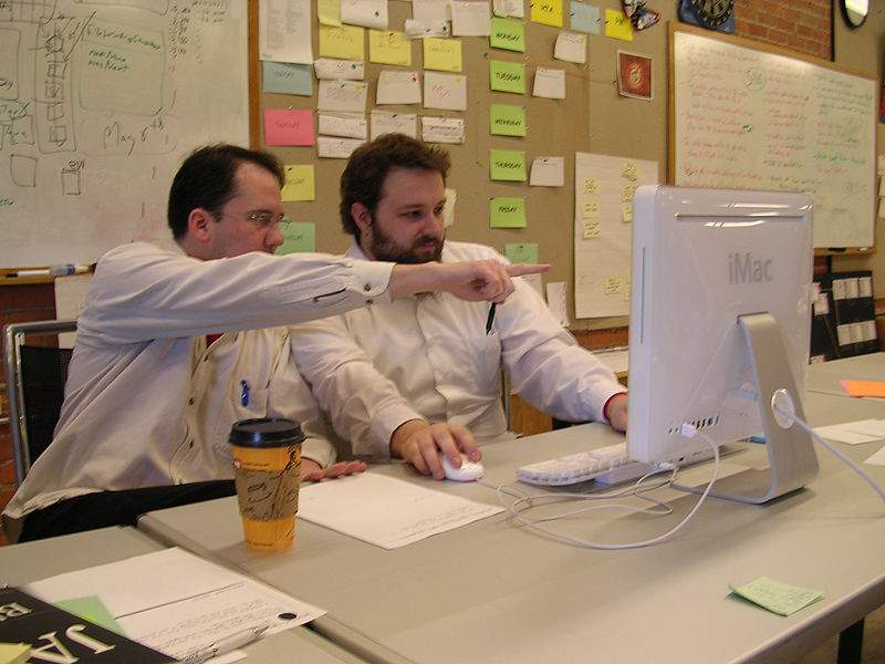 Las empresas buscan una forma directa, rápida y personalizada de llegar a su público potencial. FUENTE. en.wikipedia.org
